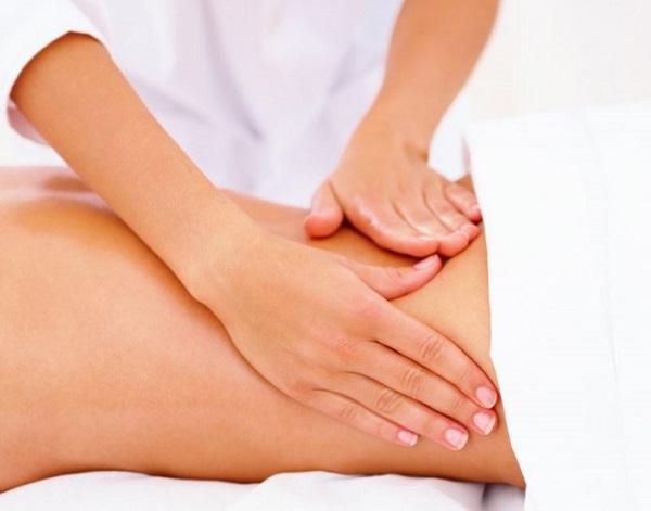 Giảm đau nhức bên hông trái sau lưng bằng cách xoa bóp, massage