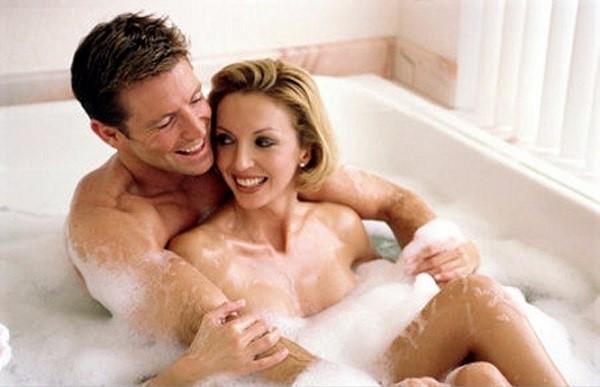 Quan hệ trong nhà tắm