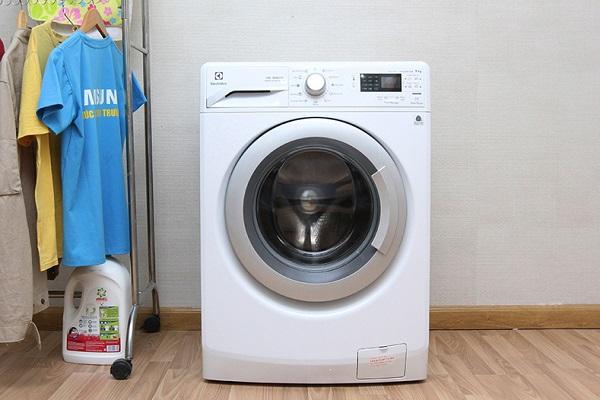 Máy giặt Electrolux 7kg EWF80743