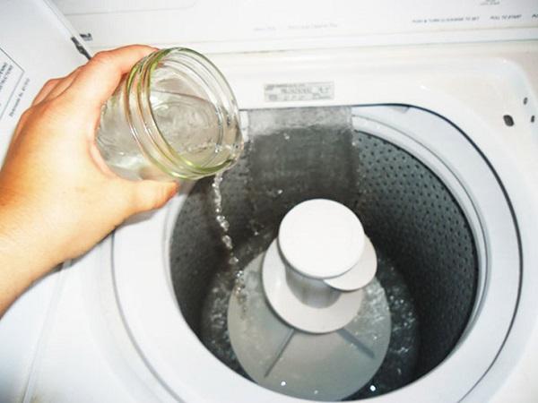 Làm sạch lồng máy giặt cực hiệu quả bằng giấm ăn