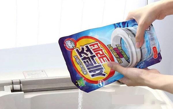 Sử dụng bột tẩy để việc vệ sinh máy giặt đạt hiệu quả cao nhất