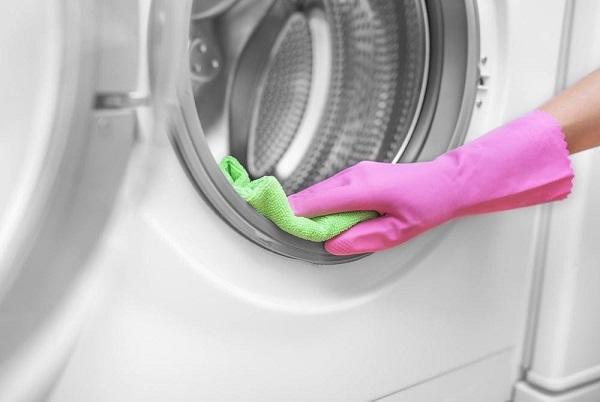 Vệ sinh máy giặt đúng cách để đảm bảo độ sạch và bền bỉ cho máy