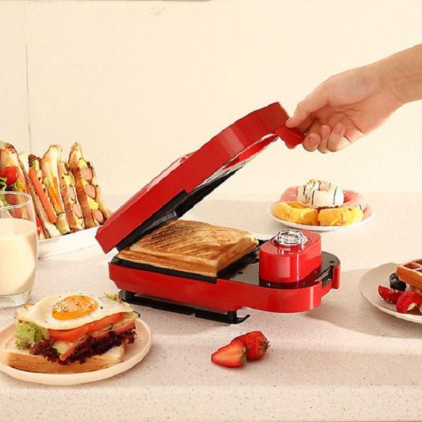 Máy nướng bánh mì làm bữa sáng